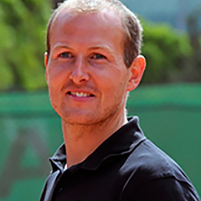 Professeur de tennis | Julien