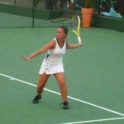 Professeur de tennis | Laura