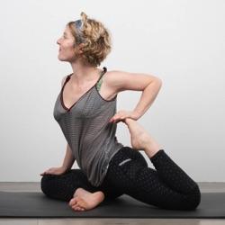 Professeur de Yoga-Vinyasa | Anna