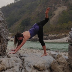 Professeur de Yoga-Vinyasa | Rose